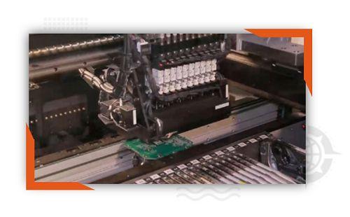 مونتاژ ماشینی برد (pcb) تولید داخل شرکت دانش بنیان رایمند